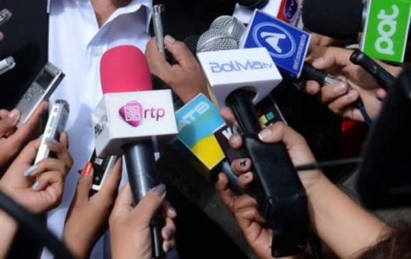 """Asociaciones de periodistas rechazan que se llame """"mafias"""" a grupos de medios de comunicación"""