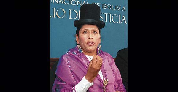 Virginia Velasco evitó referirse a la investigación a su cargo
