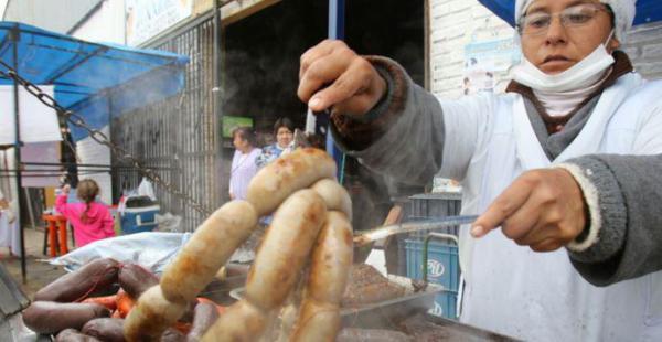 La Feria del Choripán se realizó en el mercado Ramafa este martes 21 de junio (Foto: Clovis de la Jaille)