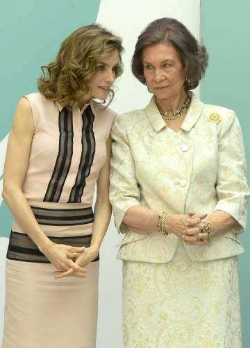 La reina Letizia y doña Sofia.
