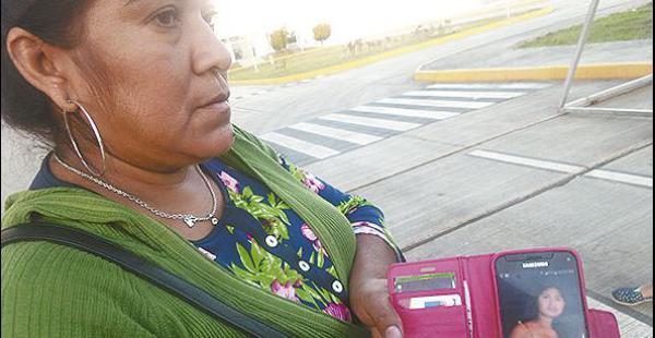 Doña Jenny Montes, tía de la víctima, acudió a la morgue