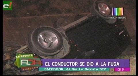 Motorizado cae en canal de drenaje y el conductor se da a la fuga