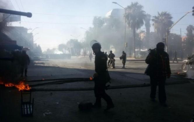 Fabriles denuncian dos trabajadores heridos de bala en choque con la Policía en Cochabamba