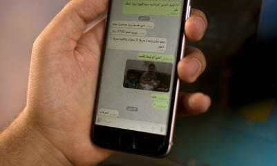 Chat de WhatsApp en el que el ISIS vende jóvenes como esclavas sexuales. AP /Maya Alleruzzo