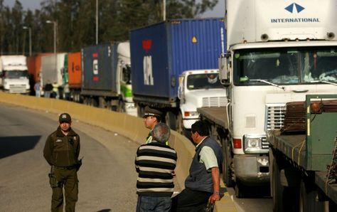 Transportistas de carga internacional pesado en Arica. Foto: www.publimetro.cl