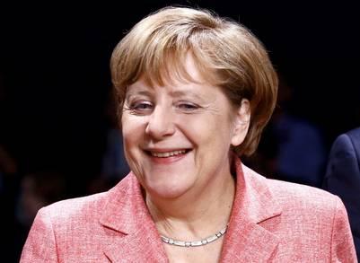 En alza. La jefa de gobierno alemana, Angela Merkel, alcanzó su nivel de aprobación más alto en casi un año. Es firme defensora de las instituciones europeas. /REUTERS