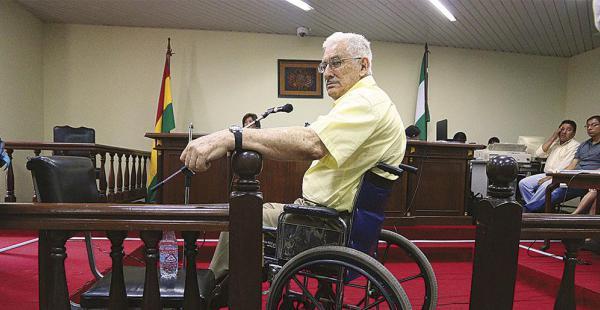 Una comisión evalúa el estado de salud del general Gary Prado