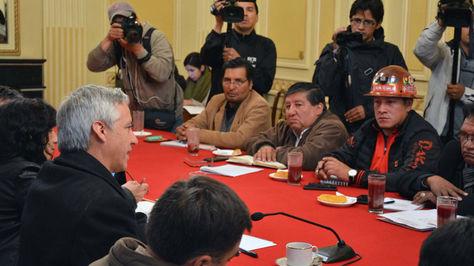 Última reunión entre el Gobierno y la COB en la Vicepresidencia