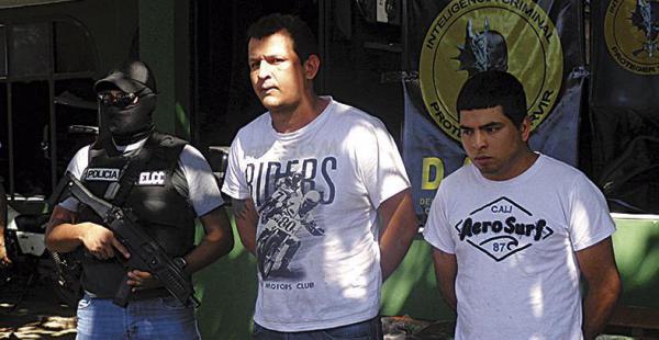 Nilo Dagner Díez Arza (izquierda) y Hernán David Guzmán Villarrubia fueron presentados ayer a la prensa