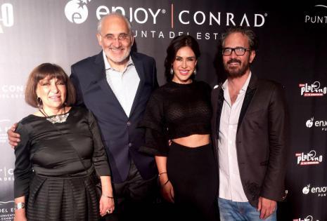 Mela Márquez, Carlos Mesa, Carla Ortiz y Juan Carlos Valdivia se lucieron con atuendos oscuros