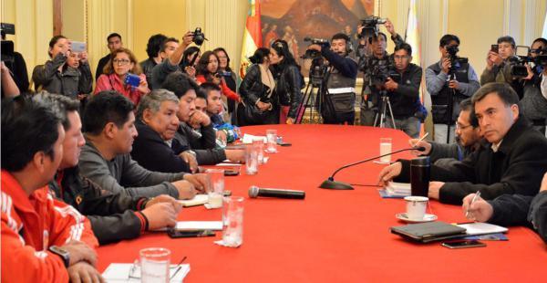 Las conversaciones de ayer en la Vicepresidencia no prosperaron y mañana los obreros definirán medidas de presión