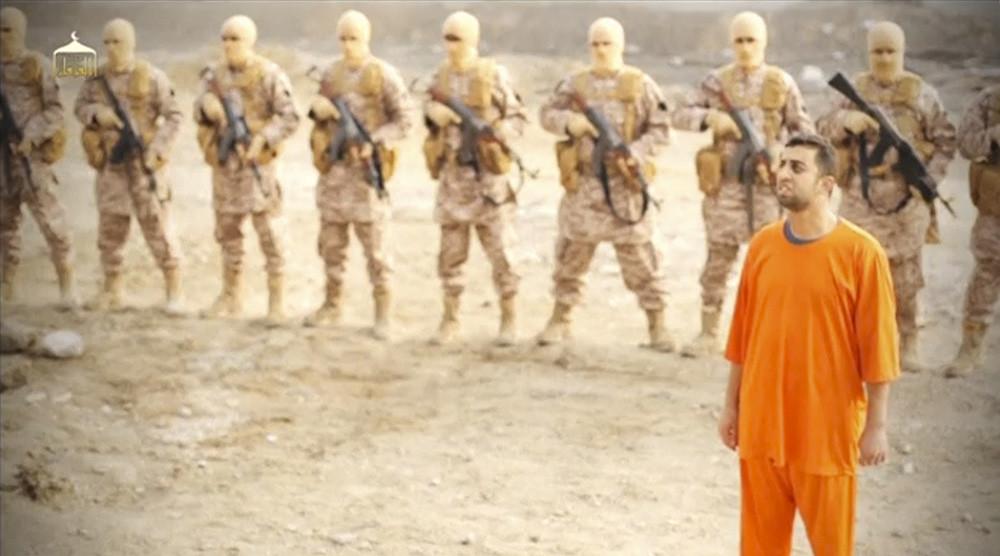El piloto jordano Muath al-Kasaesbeh capturado por el Estado Islámico, el 3 de febrero de 2015.