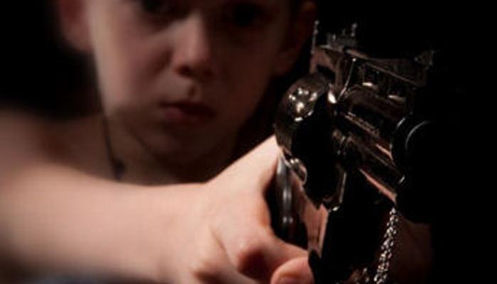 nino-pistola