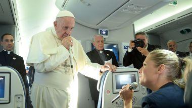 El papa contestó las preguntas de los periodistas en el avión de regreso de la celebración del Día Mundial de la Juventud en Cracovia (Crédito: FILIPPO MONTEFORTE/AFP/Getty Images)