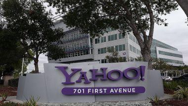Una fotografía de la fachada de las oficinas principales de Yahoo que se encuentran en Sunnyvale, California. (Crédito: Justin Sullivan/Getty Images)
