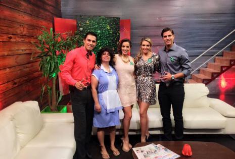 Compartiendo pantalla con Alejandro Alcey Nuñez, Maria Renee Lievana,Jessica Suarez y Beatriz Baldiviezo Cuellar.