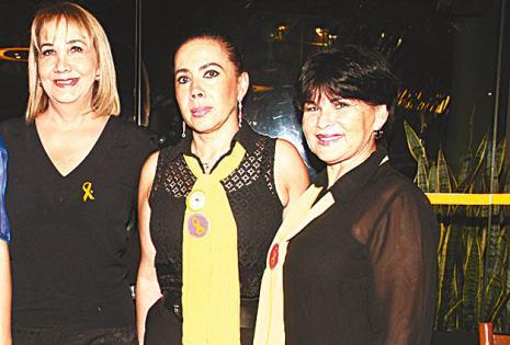 /unidas.  Ruth Sciaroni, Rosario Chávez Y Tatiana Escalera