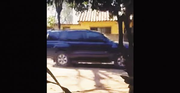 Esta es la vagoneta en la que secuestraron al boliviano.