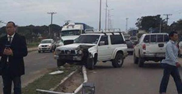 El vehículo quedó con serios daños. La Policía llegó al lugar