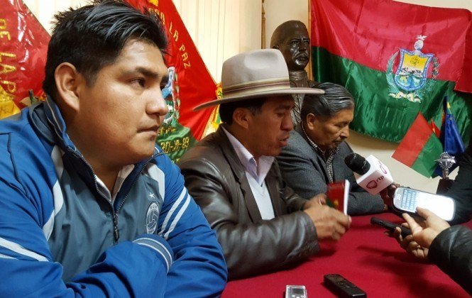 Cívicos afines al MAS apuntan a la renuncia del gobernador Félix Patzi