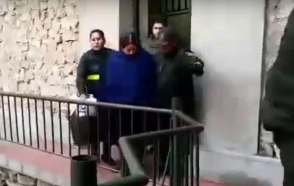 Nemesia Achacollo es trasladada a la cárcel de Miraflores de La Paz