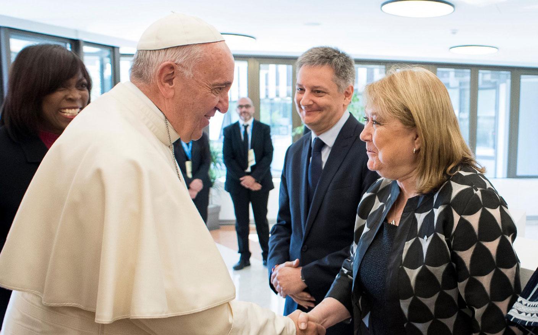 El papa Francisco y la canciller argentina, Susana Malcorra (Foto archivo)