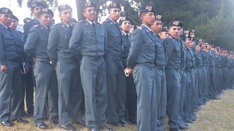 Un grupo de militares en el acto de ascenso de las FFAA. Foto: ABI