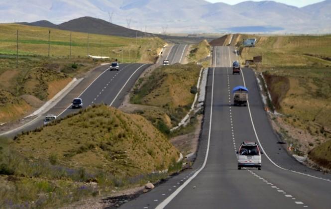 Policía instruye patrullaje de carreteras ante amenaza de bloqueo de cooperativistas