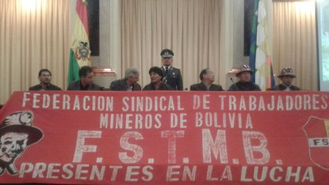 El presidente Evo Morales en el acto de recordación de los 30 años de la