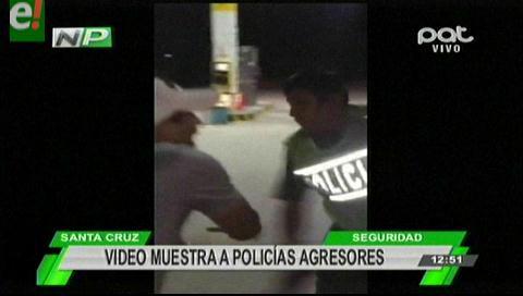 Video muestra a policías agresores