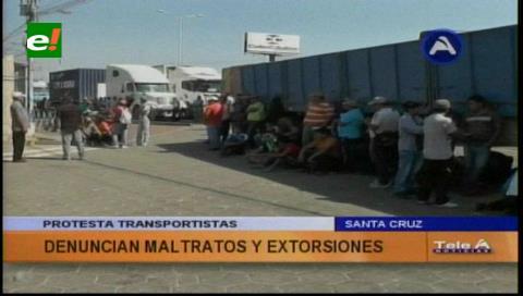 Protestaron en ALBO: Transportistas denuncian extorsión