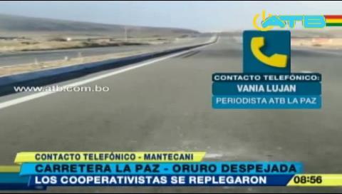 Mineros levantan bloqueos en La Paz y se repliegan