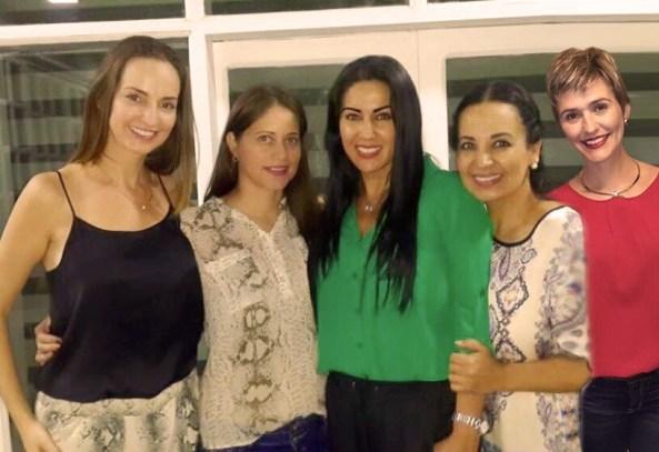 Integrantes del Ministerio de Mujeres: Tatiana Moreno, Fanny Parada,,Carola Aguilera de d'Arruda, Miriam Parada y Lorena Villalobos