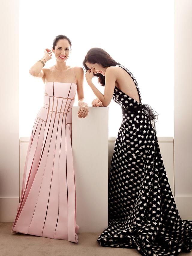 Patricia y Carolina Herrera.