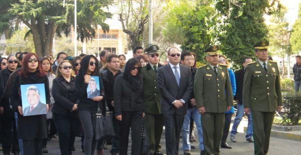 Familiares de Illanes junto con el ministro Romero