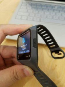 Motorola-smartwatch-prototype-featured-a-rectangular-screen-and-a-microUSB-port-1