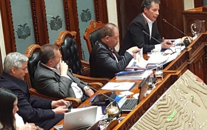 Gobierno regaló a cooperativistas 100 volquetas, les dio créditos por Bs 192 millones y 601 áreas pendientes