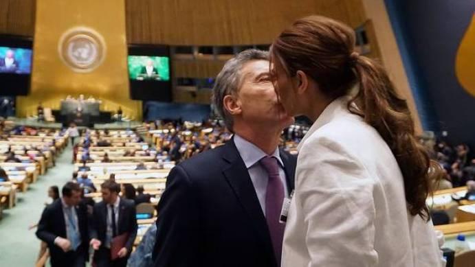 El presidente Mauricio Macri junto a su esposa, la primera dama Juliana Awada minutos antes de realizar su exposición en la  71° Asamblea General de las Naciones Unidas.