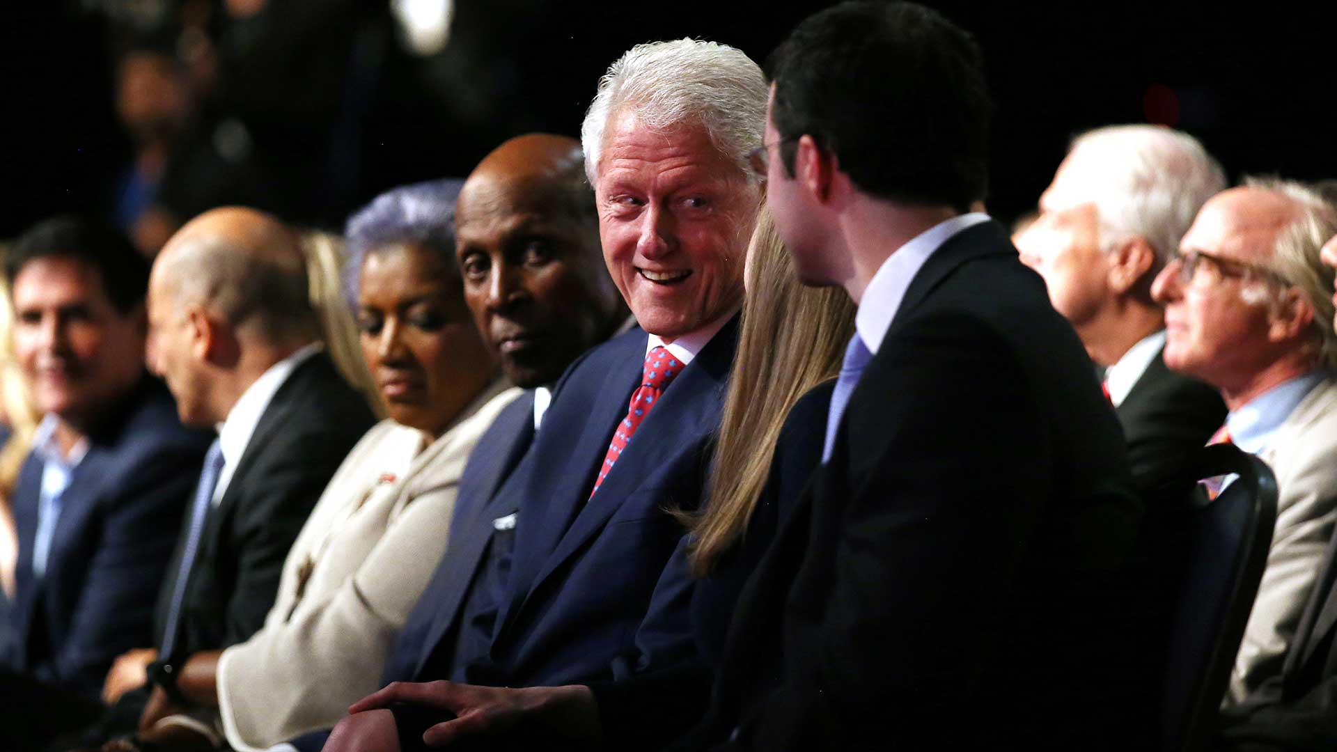 (Reuters) Sobre el Estado Islámico, Hillary Clinton dijo que la derrota del grupo yihadista será la prioridad principal como presidente.