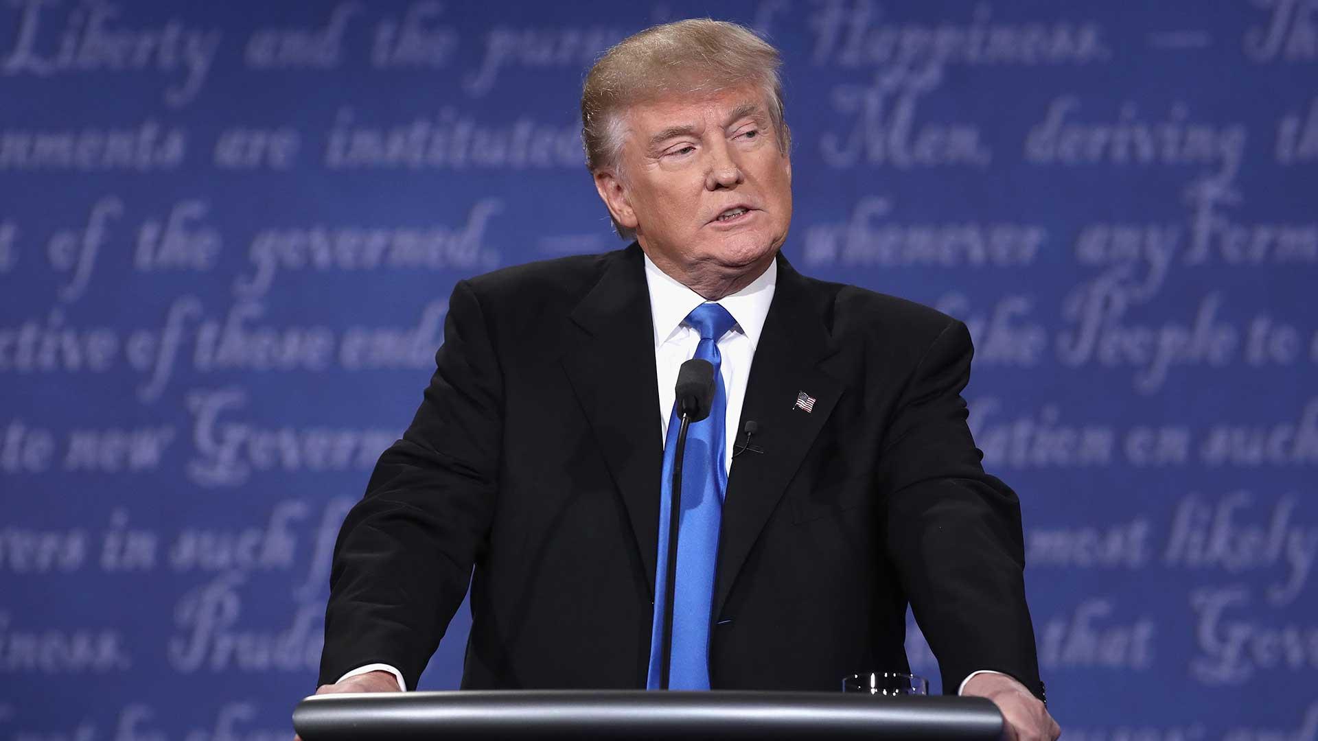 """(AFP) Por otra parte, el candidato republicano acusó este su rival demócrata Hillary Clinton de haber generado un """"caos completo"""" en Medio Oriente durante su gestión como secretaria de Estado."""