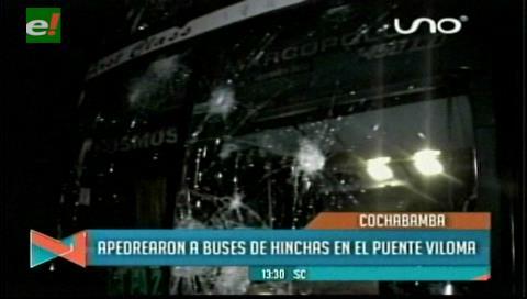 """Cochabamba: """"Los Gurkas"""" atacan bus de los hinchas de The Strongest"""