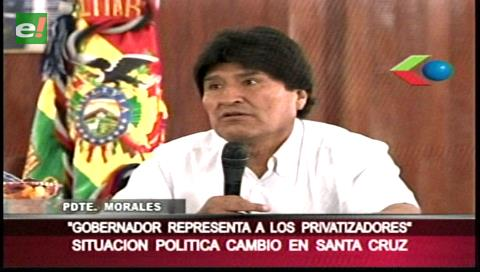 """Evo: Yo soy """"nacionalizador"""", Rubén Costas es """"privatizador"""""""