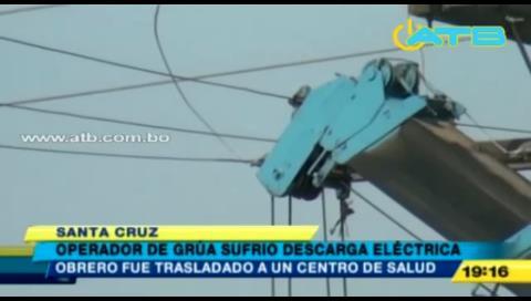Operador de grúa sufrió de una descarga eléctrica