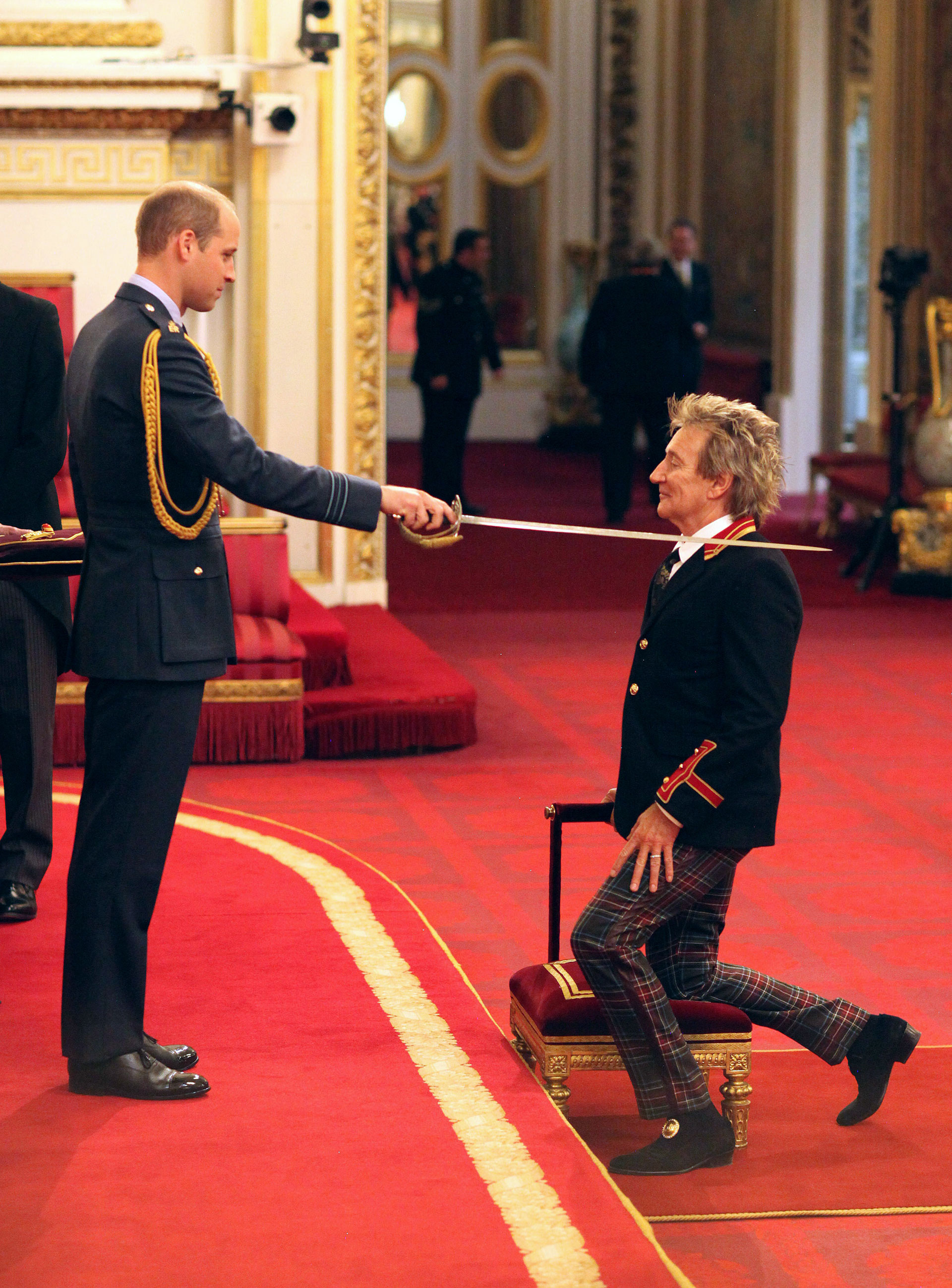 Rod Stewart fue nombrado Sir por el príncipe William en una majestuosa ceremonia en el Buckingham Palace