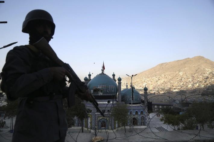 18 muertos en atentado a templo chií en Afganistán