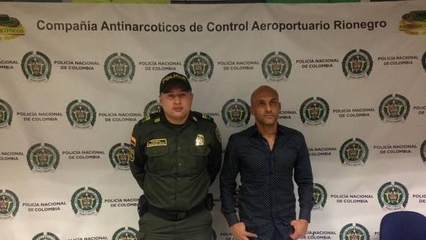 El momento de la detención a Osorio en el aeropuerto.