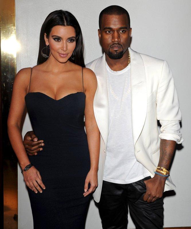 Kim Kardashian y Kanye West confirmaron su relación en junio de 2012, aunque su amistad venía de tiempo atrás. El 30 de diciembre de ese mismo año el rapero reveló que estaban esperando su primer hijo. En aquel momento, Kardashian estaba embarazada de 12 semanas.