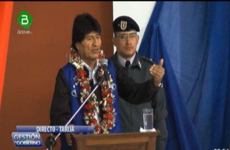 El presidente Evo Morales durante la entrega de la sede social para la Asociación de Bagalleros, en Yacuiba, Tarija.