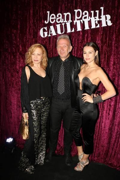 Jean Paul Gaultier con Pampita y Cecilia Roth (Graphpress)