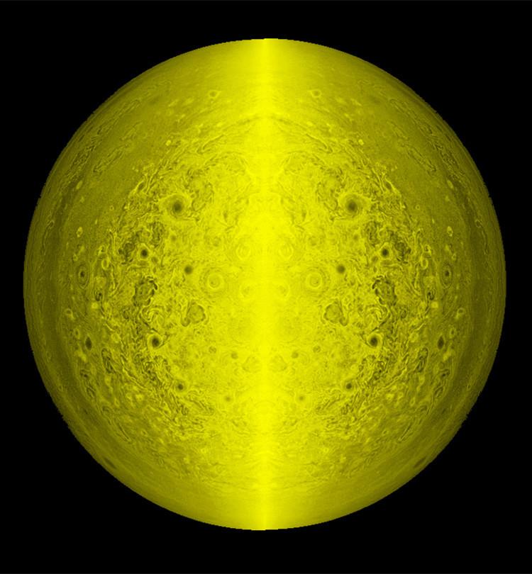 La 'sonrisa de Júpiter' creada por el científico amateur Randy Ahn.